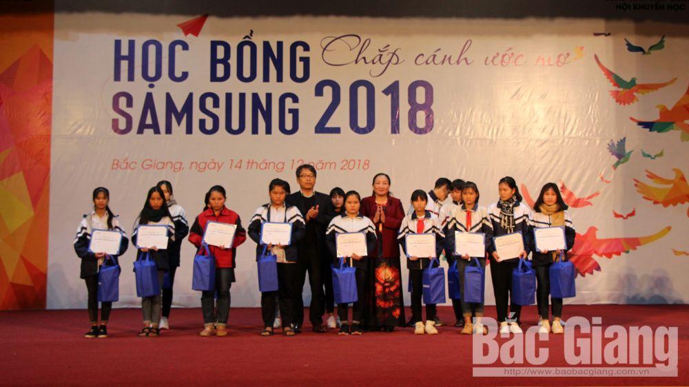 200 học sinh được nhận học bổng từ Công ty TNHH Samsung Electronnics